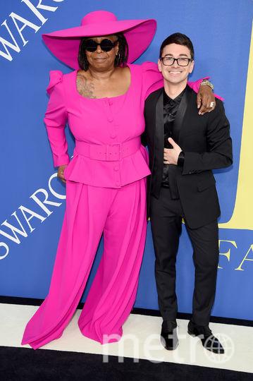 CFDA Fashion Awards-2018. Вупи Голдберг и модельер Кристиан Сириано. Фото Getty
