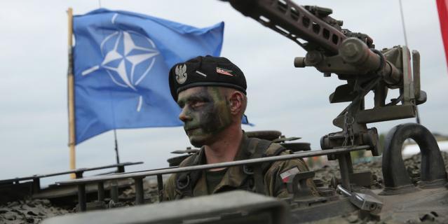 Суммарный военный бюджет 29 государств НАТО в 2017 году составил $957 млрд, по сравнению с предыдущим годом он вырос на $46 млрд.