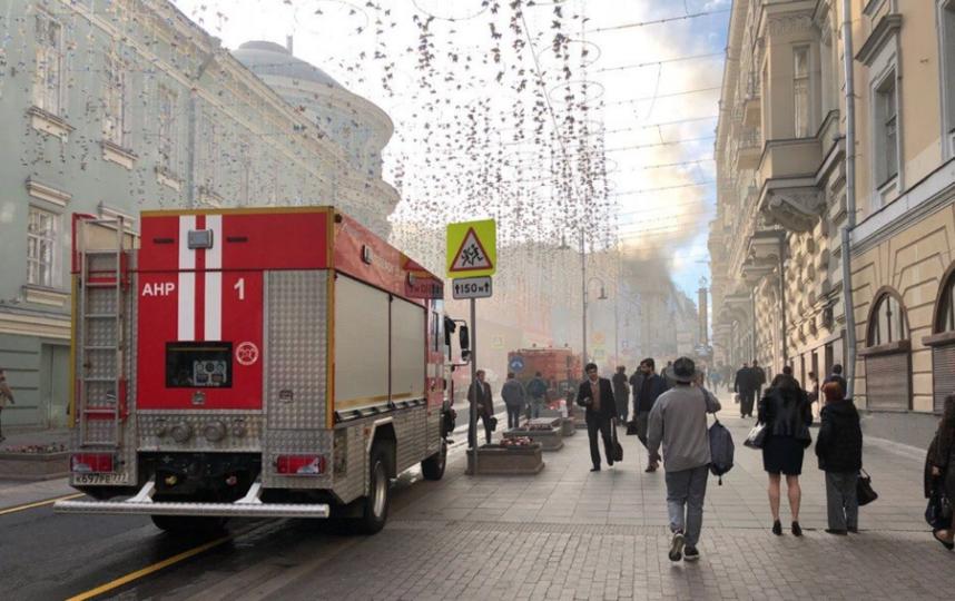 "Пожар в центре Москвы. Фото Маргарита Лемешко, ""Metro"""