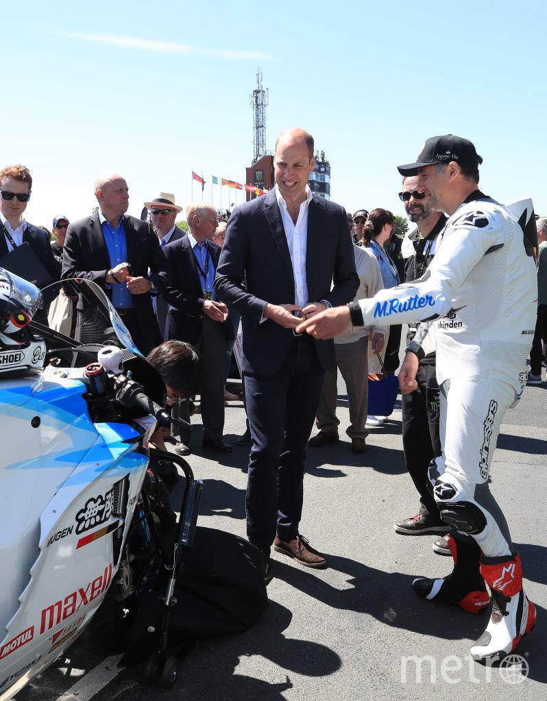 Принц Уильям присоединился к гоночным болельщикам на острове Мэн. Фото Getty