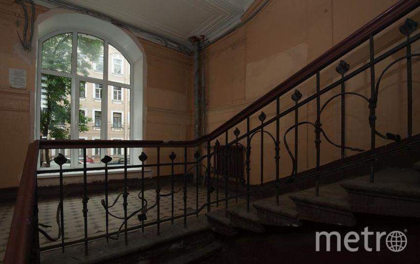 """«Открытый город» водит легальные экскурсии по парадным. Фото Святослав Акимов, """"Metro"""""""