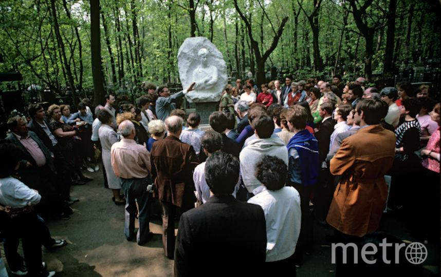 Памятник Сергею Есенину, 1993 год. Фото РИА Новости