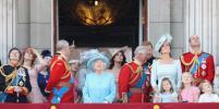 Не все в сборе: Принца Филиппа не нашли на новых фото с королевской семьей