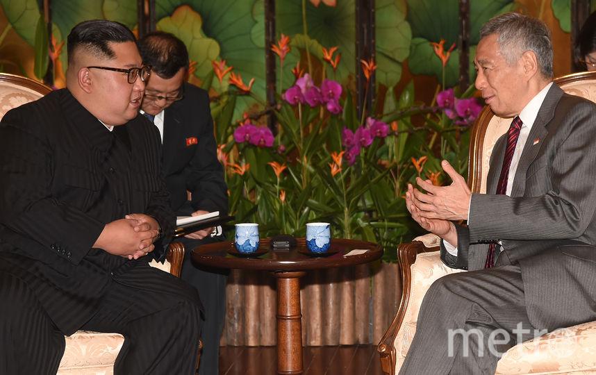 Ким Чен Ын провёл встречу с премьер-министром Сингапура Ли Сянь Луном. Фото AFP