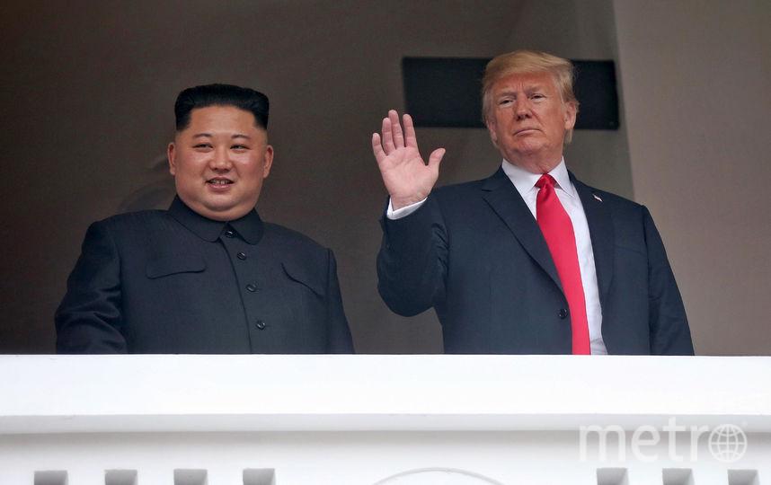 Первая встреча действующего президента США с лидером КНДР состоялась в Сингапуре 12 июня. Фото AFP