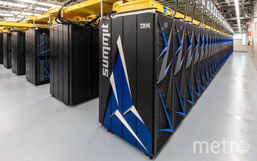 Количество потребляемой новым суперкомпьютером энергии можно сравнить с небольшим городом. Фото Carlos Jones, Oak Ridge National Laboratory/U.S. Dept. of Energy
