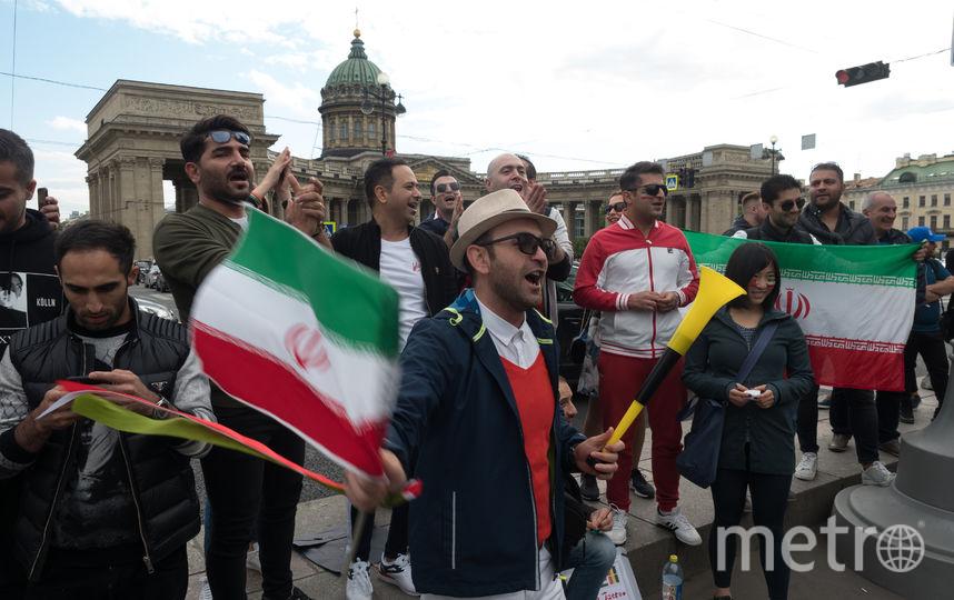 Болельщики Ирана рады оказаться в России, в Петербурге. Фото Getty