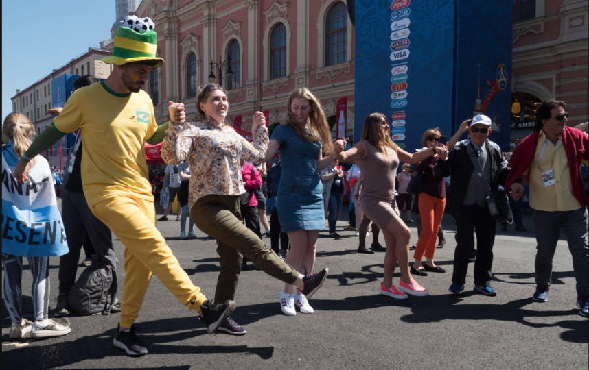 "Фан-зона в Петербурге. Фото Святослав Акимов, ""Metro"""