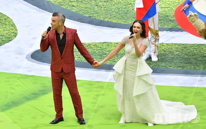 Выступление Робби Уильямса и Аиды Гарифуллиной. Фото AFP