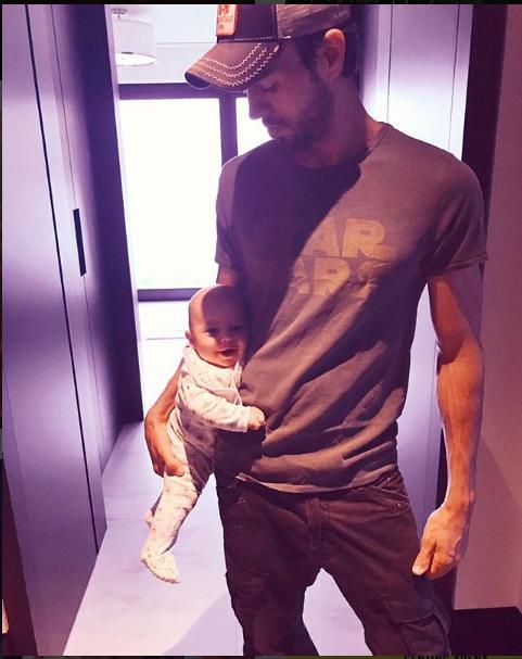 Энрике подписал фото: Я до сих пор не могу поверить, что у меня есть дети! Фото Instagram