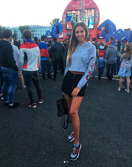 Самые красивые болельщицы ЧМ-2018. Фото Instagram/karpenko_mv