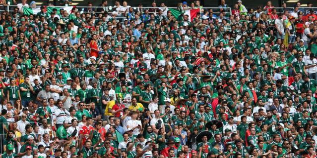 Матч посетили 78011 болельщиков.