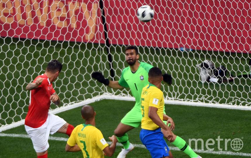 Цубер поражает ворота бразильцев. Фото AFP