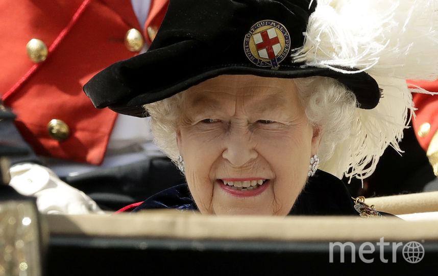 Елизавета II, принц Уильям и другие на Дне ордена Подвязки. Фото Getty