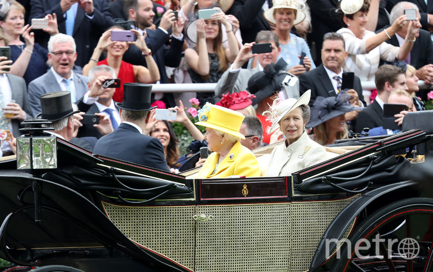 Елизавета II на скачках в Аскоте. Фото Getty