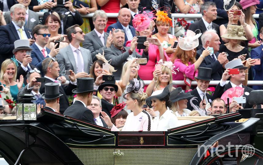 Меган Маркл прибыла с принцем Гарри в одной карете. Фото Getty