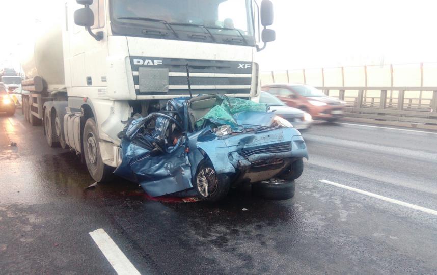 В Петербурге произошла смертельная авария на КАД. Фото vk.com/spb_today
