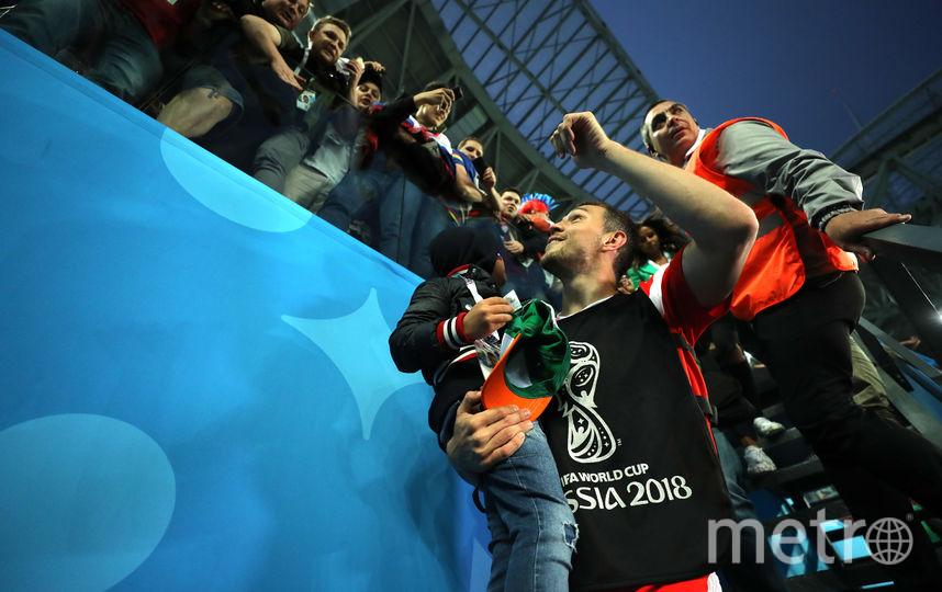 Артём Дзюба с сыном после матча Россия - Египет. Фото Getty