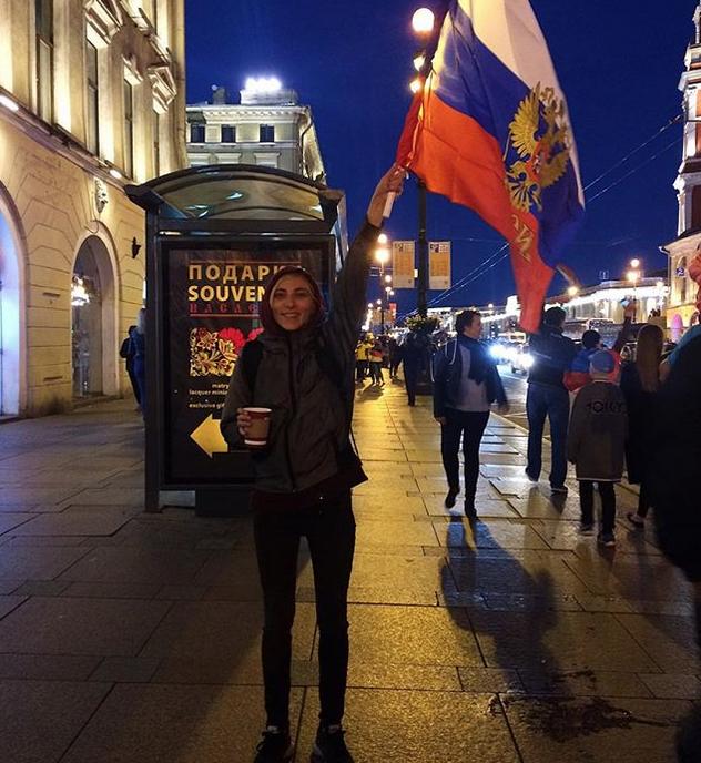 Болельщики в центре Петербурга. Фото Скриншот Instagram: @evelina.zimnitsa
