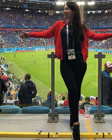 Болельщица сборной России по футболу. Фото Instagram/katerina.krasivina