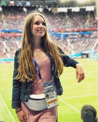 Болельщица сборной России по футболу. Фото Instagram/musi_bolsh