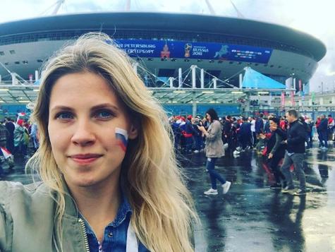 Болельщица сборной России по футболу. Фото Instagram/von_taa
