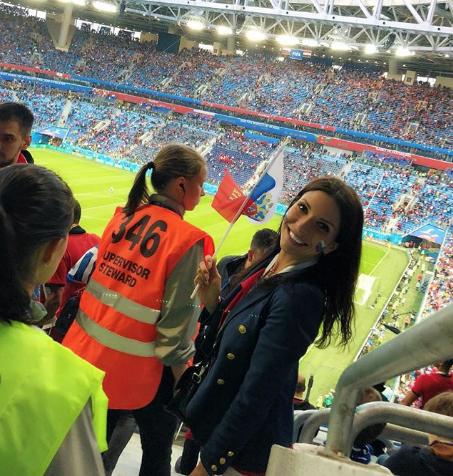 Болельщица сборной России по футболу. Фото Instagram/tutechkaa