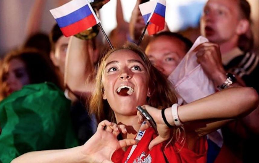 Болельщица сборной России по футболу. Фото Instagram/footballina