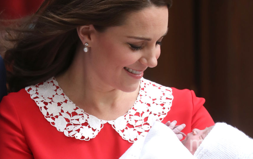 Кейт Миддлтон с новорождённым принцем Луи. Фото Getty