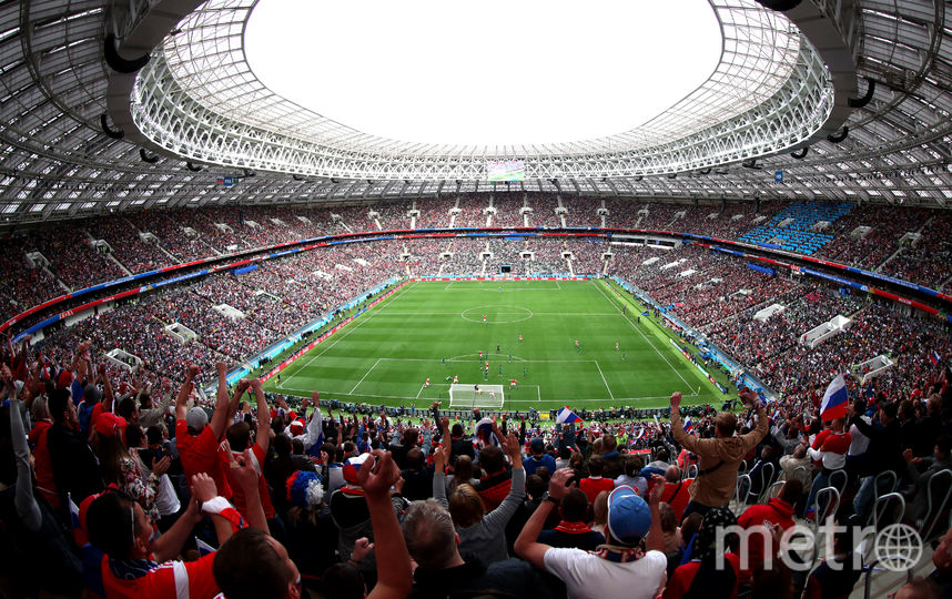 За последние дни по Сети успели разлететься сотни фотографий российских красавиц, пришедших на футбольные матчи поболеть за нашу сборную. Фото Getty