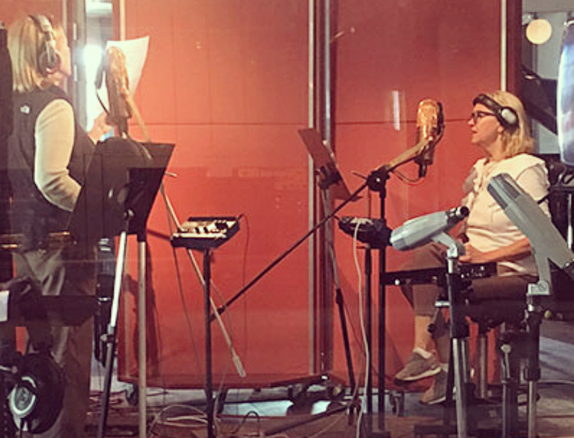 Воссоединившаяся АВВА на записи нового альбома. Фото скриншот www.instagram.com/abbaofficial/