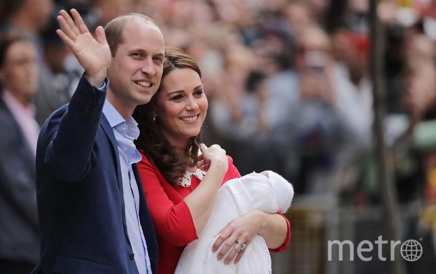 С супругой Кэтрин и их третьим ребёнком. Фото Getty