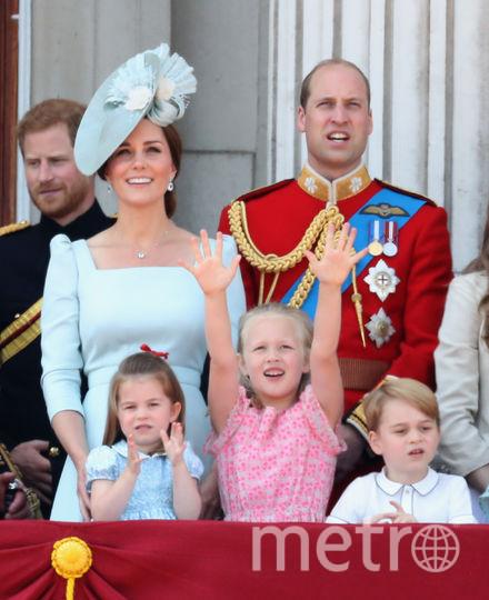С супругой в День монарха. Фото Getty