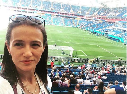 Фанатка на матче Уругвай - Саудовская Аравия в Ростове. Фото Instagram aishat_danilova