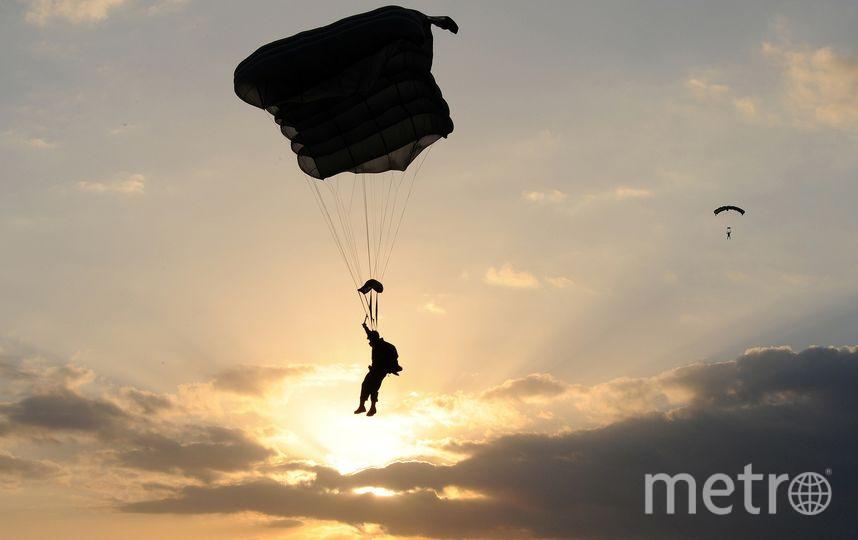 Британец подрезал парашют жены, но она выжила. Фото Pixabay.com