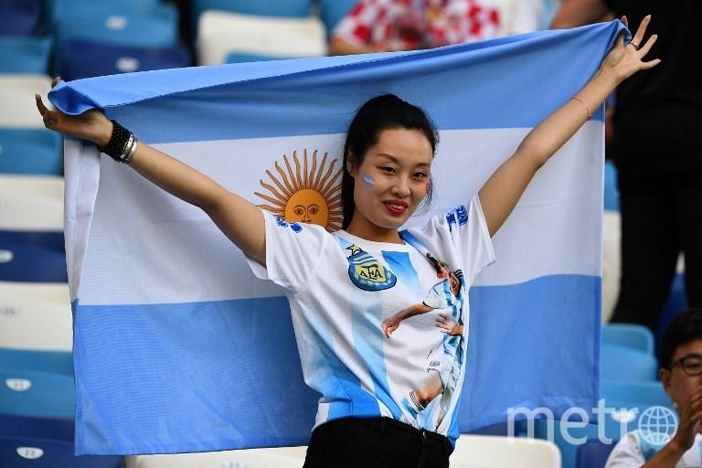Фанатка сборной Аргентины на матче Аргентина - Хорватия. Фото AFP