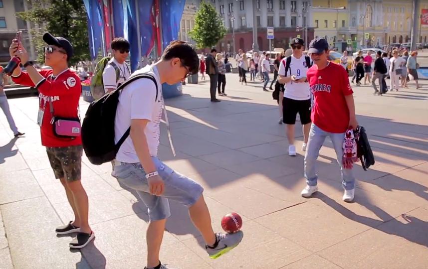 Как болельщикам сборной России, ребятам было важно, чтобы люди больше знали о нашей сборной. Фото Скриншот Youtube