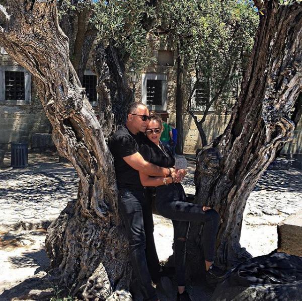 Ксения Дели и Осама Фати Рабах аль-Шариф. Фото Скриншот Instagram: xeniadeli