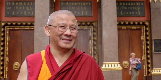 Настоятель буддийского храма Буда Бадмаев.