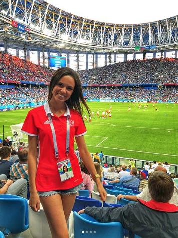 Болельщица матча Швейцария – Коста-Рико. Фото Instagram/kzubanova