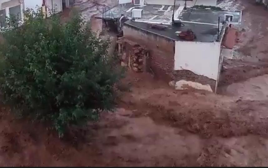 """Из-за наводнения в Греции объявлен """"красный уровень"""" опасности. Фото скрин-шот, Скриншот Youtube"""
