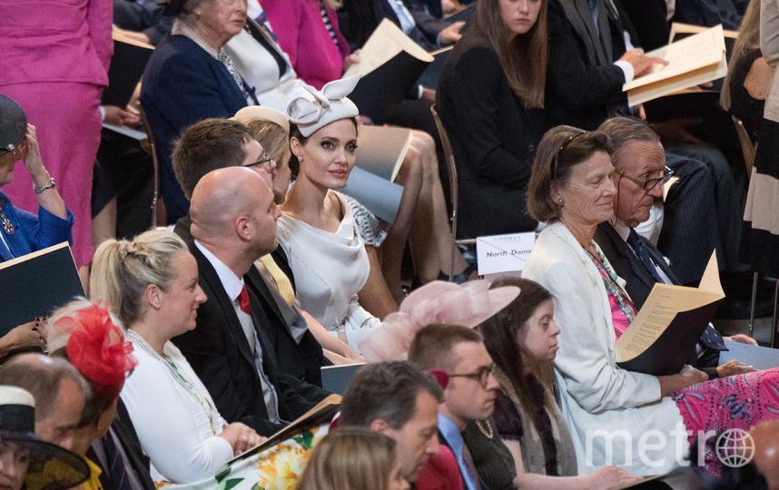 """Анджелина Джоли в """"королевском"""" образе в Лондоне. Фото Getty"""