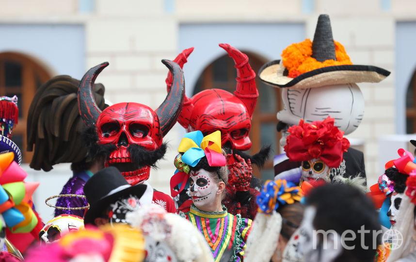 """В центре Москвы празднуют мексиканский """"День мёртвых"""". Фото Василий Кузьмичёнок"""