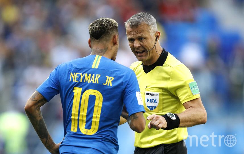 В матче Бразилия – Коста-Рика Кёйперс назначил пенальти за фол на Неймаре, но затем изменил своё решение после видеоповтора. Фото Getty