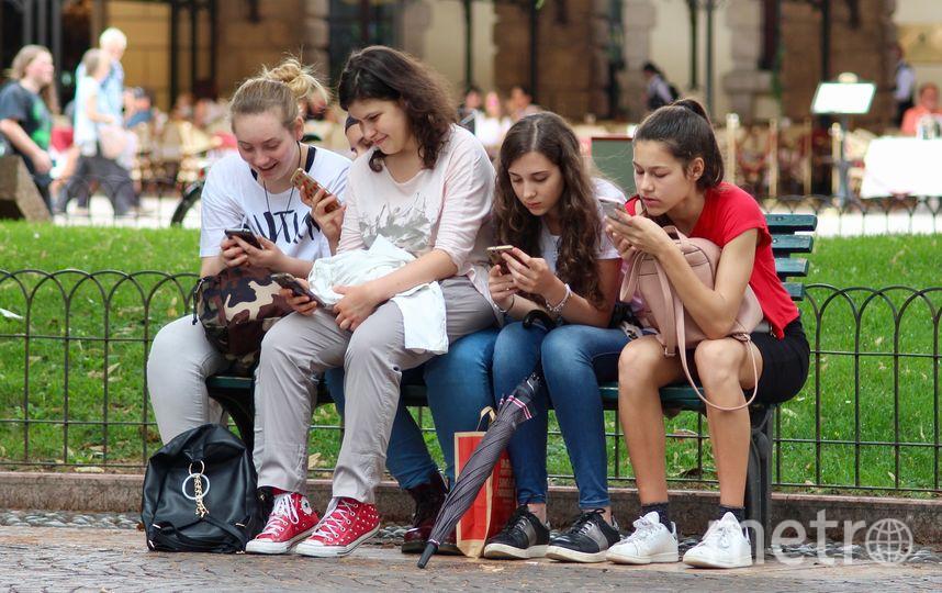 Подчёркивается, что пенсию по молодости следует начислять только неработающим гражданам. Фото Pixabay