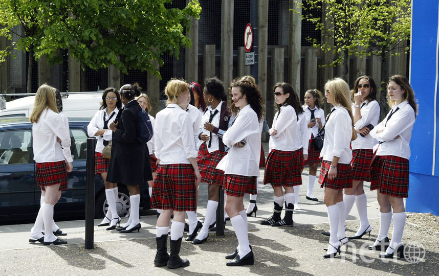 В школах Британии девочкам запретили носить юбки. Фото Getty