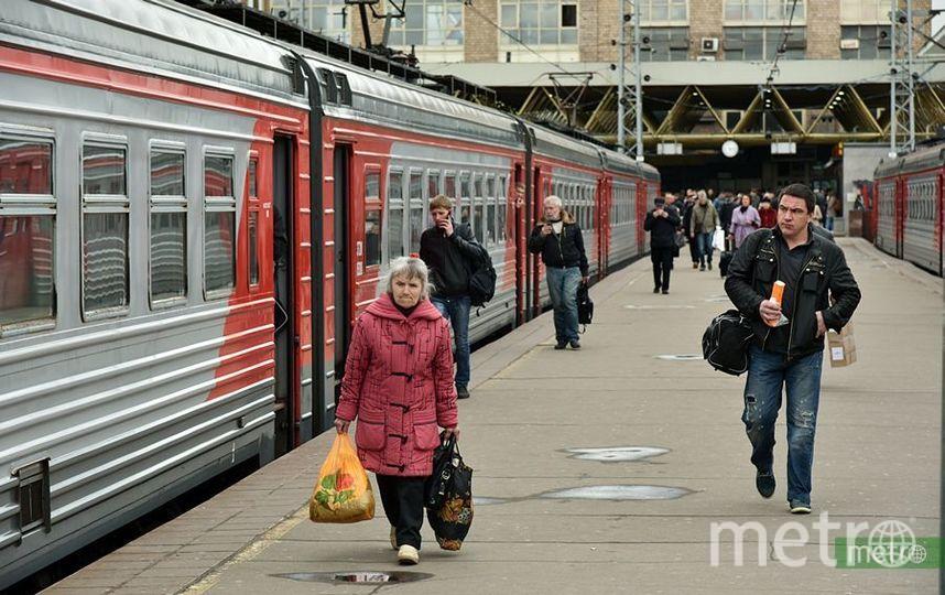 В Москве и Подмосковье пенсионеры смогут бесплатно ездить на электричках. Фото Василий Кузьмичёнок