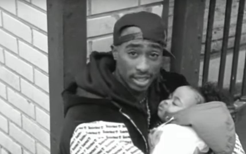 "Тупак Шакур. Фото Кадр из клипа ""Brenda's Got A Baby""., Скриншот Youtube"
