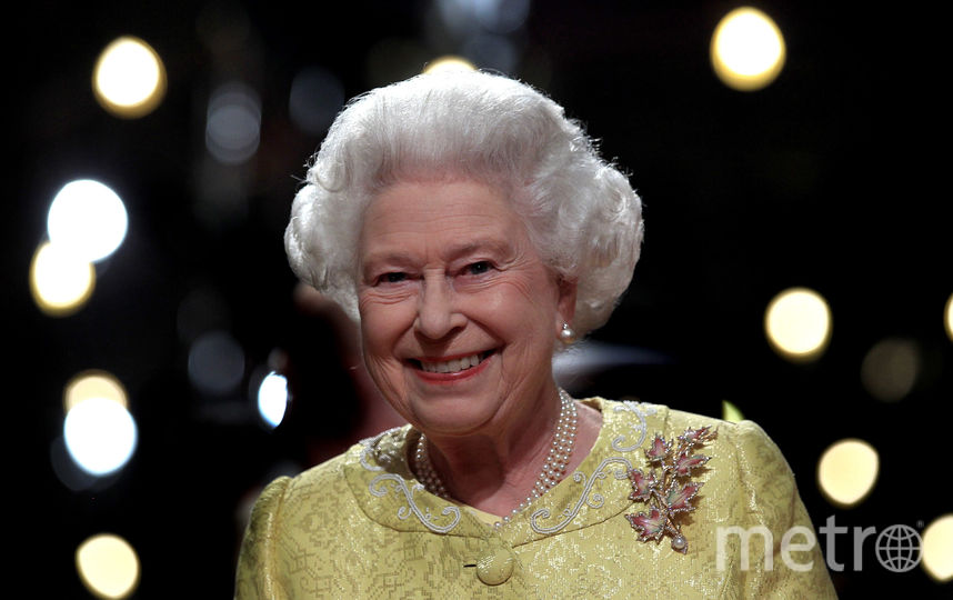 Желтый часто встречается в гардеробе королевы (июнь 2010). Фото Getty