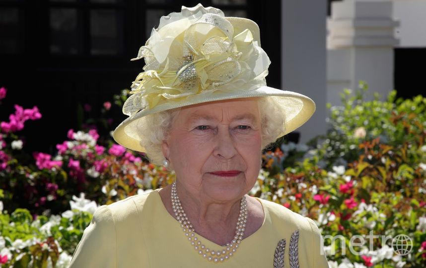 Желтый часто встречается в гардеробе королевы (ноябрь 2010). Фото Getty